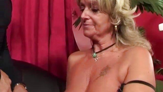 Adolescente rubia videos eroticos colombianas le encanta hacer anal