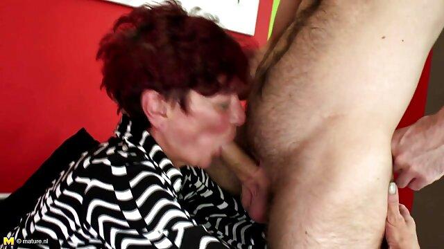 La flaca Riley Reid disfruta de una apasionada videos eroticos de caricaturas sesión sexual