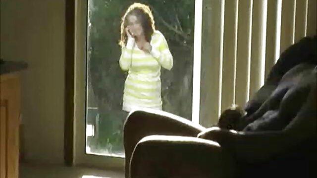 Rubia adolescente apenas legal follada en grupo - masajeseroticosxxx Aubrey Addams
