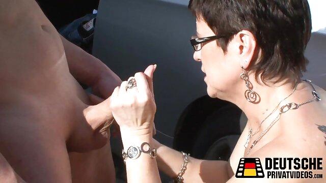 Morena de cara peliculas eroticas hd gratis dulce se desnuda para follar duro.mp4