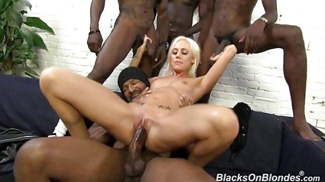 La rubia Niki Snow se pone videos eroticos bus negra