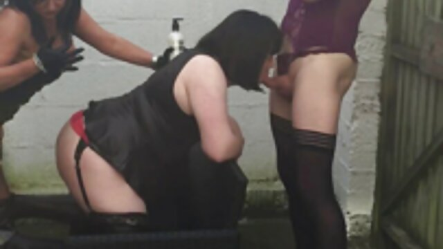 Orgasmos anales y vaginales porno masaje sexual mientras folla. Caliente MILF corre en polla