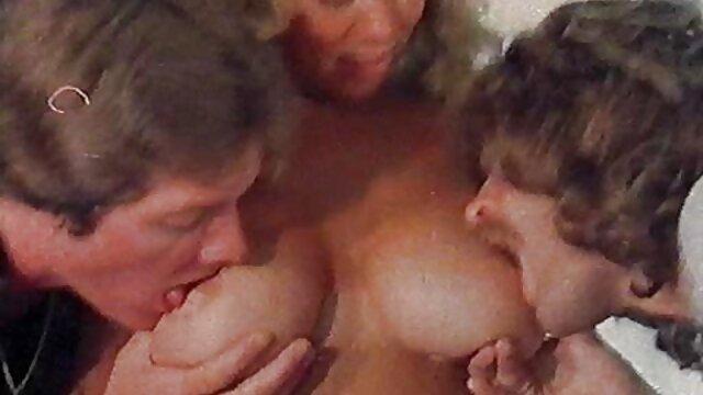 Madre sucia lame y folla dulce videos eroticos de familia hija adolescente