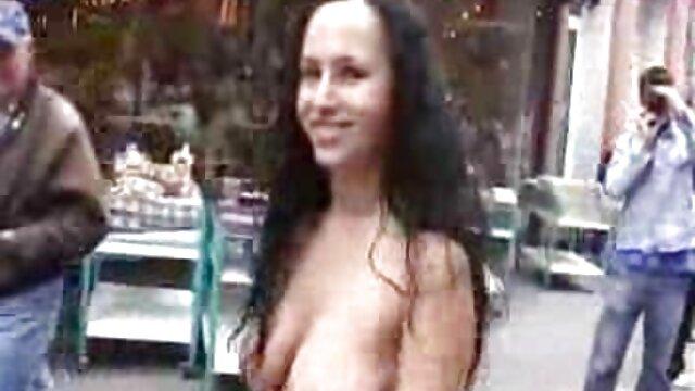Chica con grandes tetas da placer a su videos eroticos lesb jefe