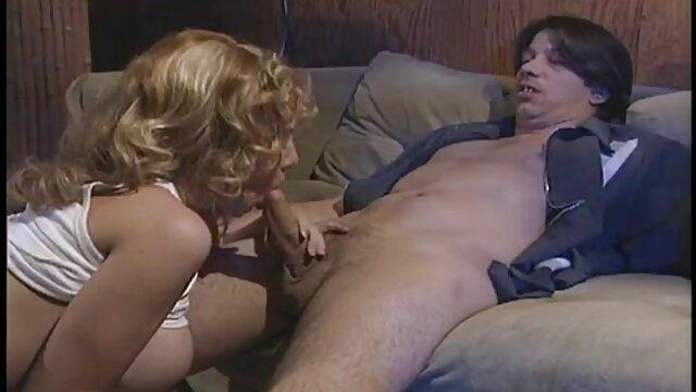chica videos eroticos francesas caliente después del gimnasio masturbándose en la cam