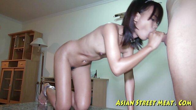 Cliente tetona disfruta de su primer videos asiaticos eroticos masaje tailandés