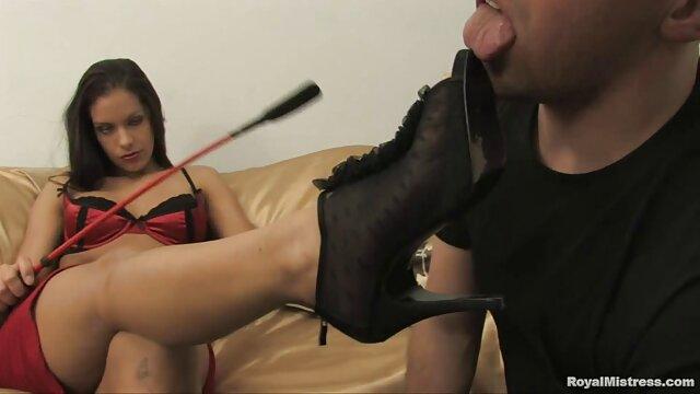 MILF alemana seduce a un joven para peliculas online eroticos follar en el jacuzzi