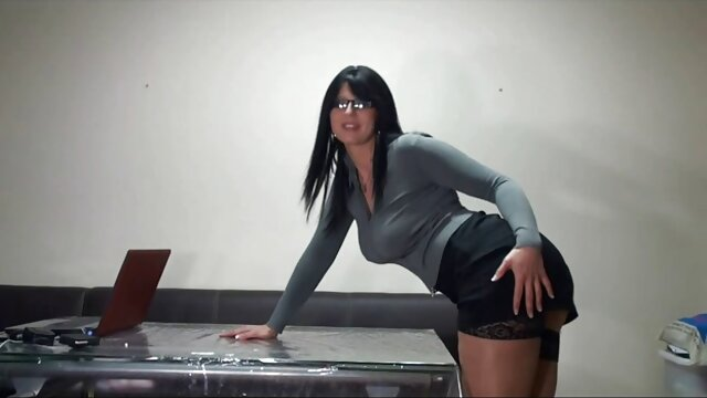 Milfs peliculas eroticasxxx italianas mama mia CD1