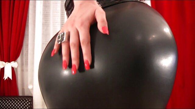 Garganta profunda videos eroticos con negros y cabalgatas hardcore
